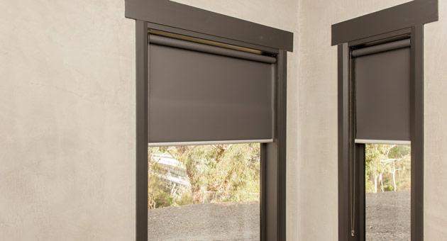 рулонные шторы являются незаменимым элементом декора