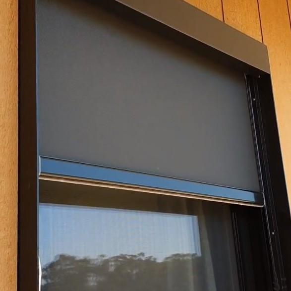 Motorized zipscreen blinds